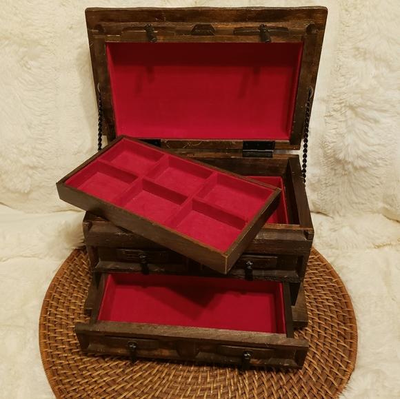 Vintage Crown Jewelry Music Box Walnut Red